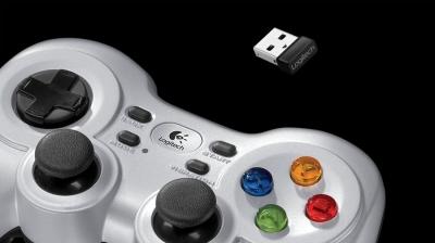 Game Logitech Wireless Gamepad F710